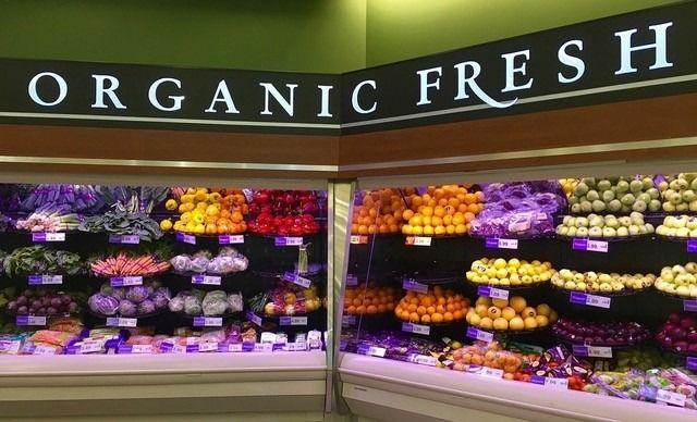 ¿Deberías comprar todo orgánico?