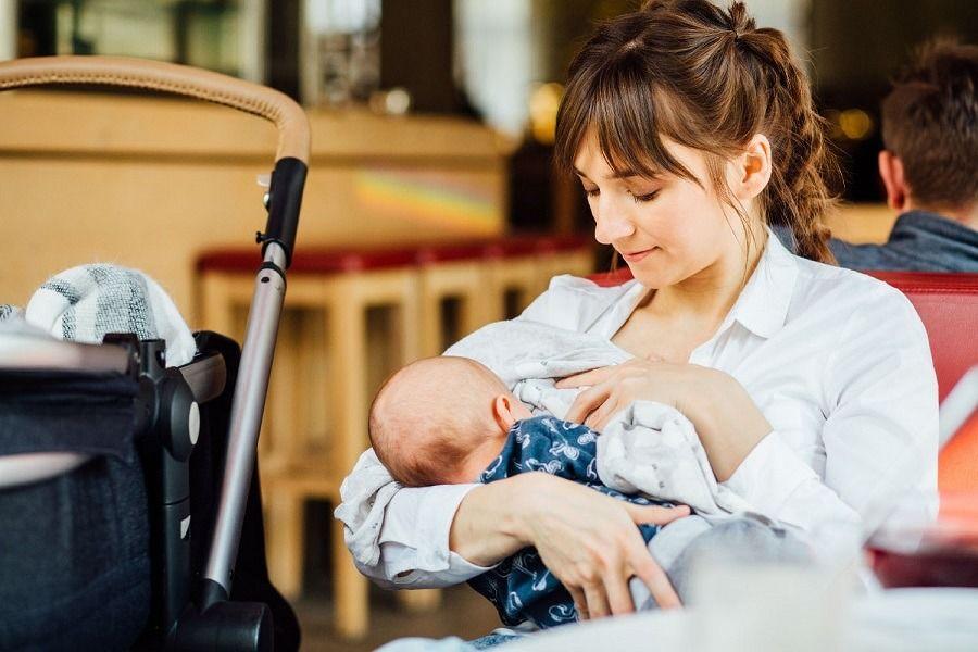 Apoya a las madres que amamantan a sus bebés en tu comunidad
