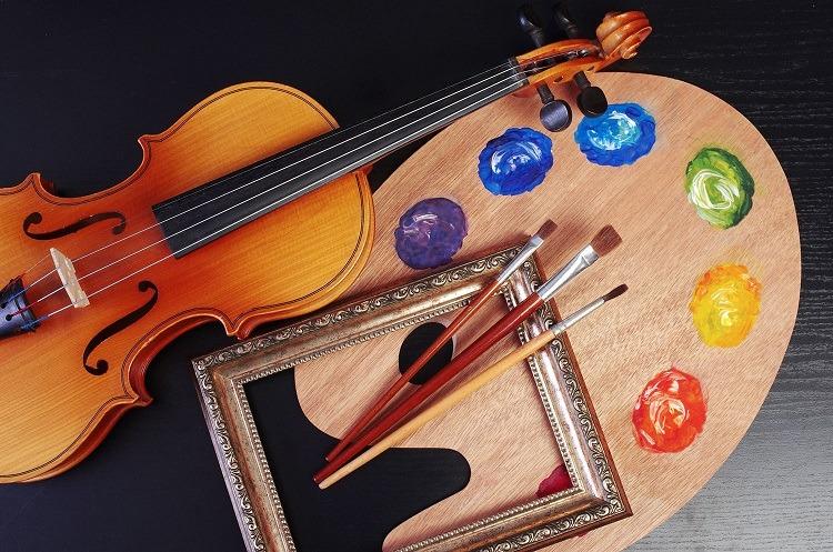 Cortando por donde no se debe, las artes también son importantes en las escuelas