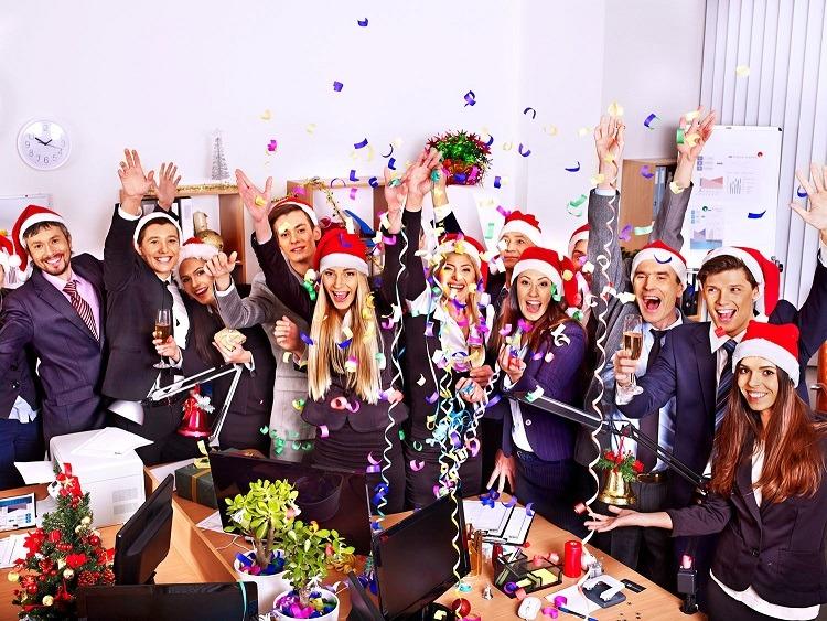¿Por qué participar en la comida de Navidad de la empresa (y disfrutarla)?