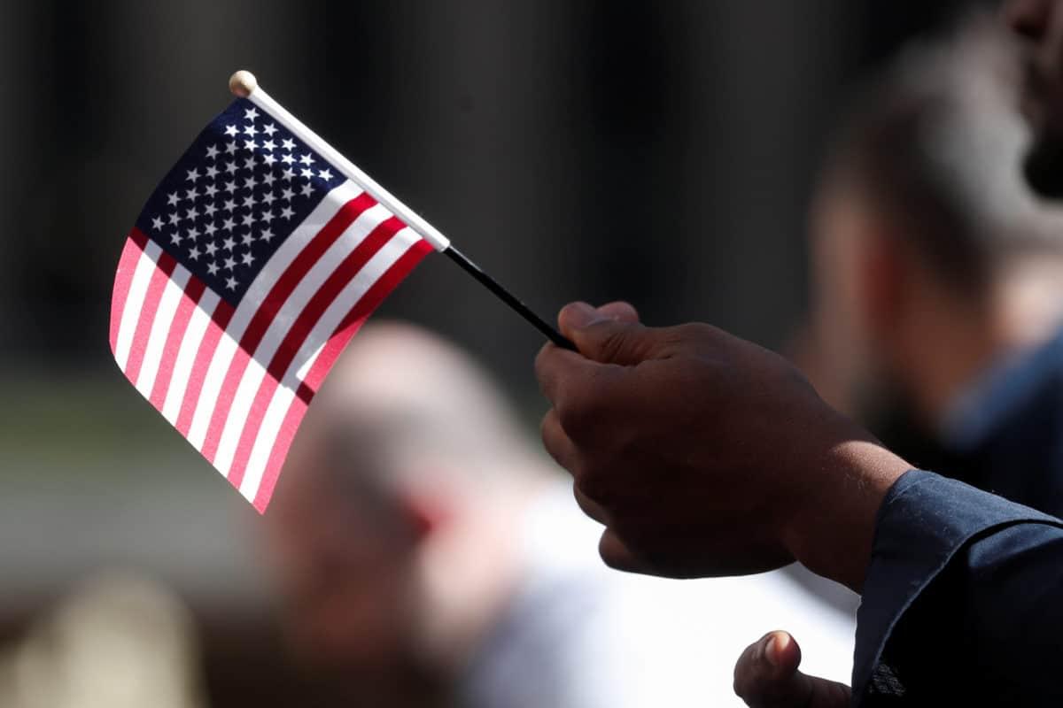 Photo of Juez prohíbe deportar a inmigrantes en entrevistas