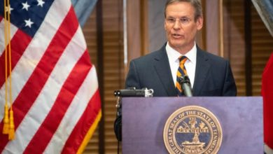 Photo of Gov. Bill Lee Declares State of Emergency in Tennessee Amid Coronavirus Response