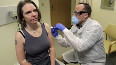 Photo of Coronavirus Vaccine Test Opens With 1st Doses