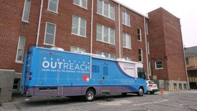 Photo of Nueva clínica de salud brinda servicios gratuitos a las personas sin hogar de Memphis