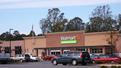 Photo of Un herido y el sospechoso a la fuga después de tiroteo dentro de Walmart