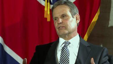 Photo of Gobernador de Tennessee propone nuevo proyecto de ley para bloquear abortos cuando se detecte latidos de corazón en el feto