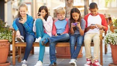 Photo of Hijos equilibrados: el celular no es el maestro