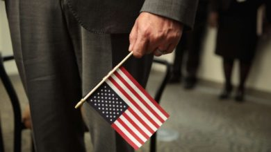 "Photo of Corte Suprema permite a Trump castigar a inmigrantes con ""carga pública"""