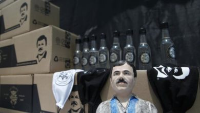 Photo of Guadalajara's elderly receive aid boxes stamped with El Chapo's picture