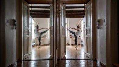 Photo of Lockdown life: confined ballerinas stay on pointe amid shutdown