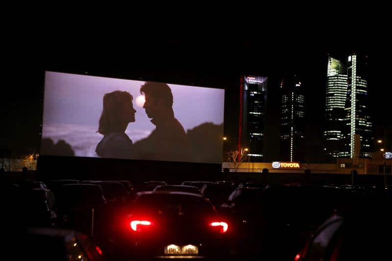 Going To The Movies During The Pandemic S Easy If You Have A Car La Prensa Latina Media