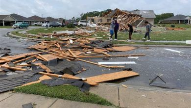 Photo of At Least 16 Dead as Dozens of Tornadoes Rip Through the South