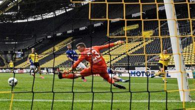 Photo of Dortmund whip Schalke 4-0 in Ruhr derby as Bundesliga returns