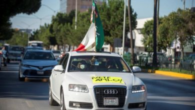 Photo of In vehicles, thousands demand president's resignation in 10 Mexican states