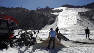 Photo of Italian glacier wrapped in vast sheet to prevent thawing