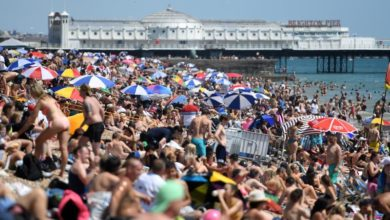 Photo of Concern in UK over crowded beaches and illegal parties