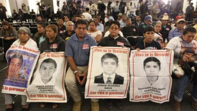 Photo of Mexican investigators seek arrest of 46 officials in Ayotzinapa case