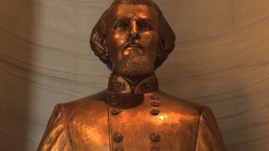 Photo of Tennessee State Lawmakers Vote to Keep Nathan Bedford Forrest Bust in Capitol Building