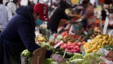 Photo of Chilean capital's street markets emerge as coronavirus hotbeds