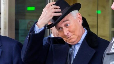 Photo of 'Roger Stone, a free man': Trump commutes ex-adviser 's sentence