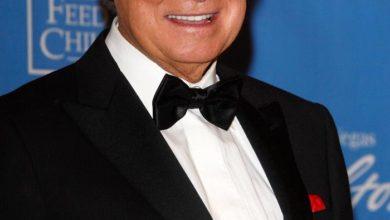 Photo of Beloved TV talk and game show host Regis Philbin dies