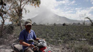 Photo of Sinabung volcano expels 4,500-meter ash cloud in Indonesia