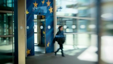 Photo of Brussels pushes quarantine and testing instead of border closures