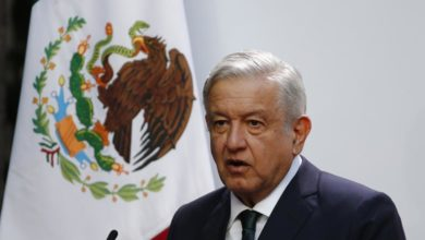 Photo of Mexican president touts unique response to pandemic-triggered crisis