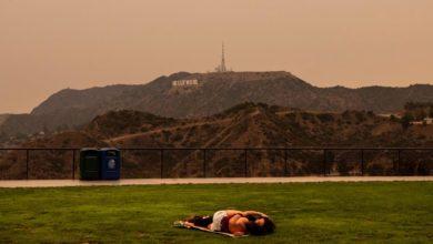 Photo of US wildfires claim 15 lives, hundreds of thousands evacuate