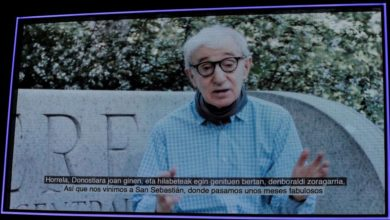 Photo of Woody Allen: I'm waiting for life to return to where it was