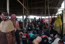 Photo of Bangladesh officials beat protesting Rohingya refugees, says HRW