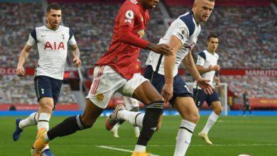 Photo of West Ham snaps Leicester's win streak, Tottenham drubs Man United 6-1