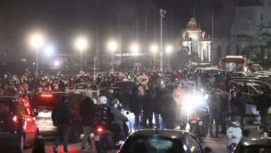 Photo of Covid curfew protesters clash with police in Naples