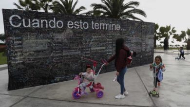 "Photo of ""Wall of Hope"" in Peru where people write what they want to do after pandemic"