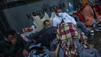 Photo of Thousands sleep outside in Izmir following deadly quake