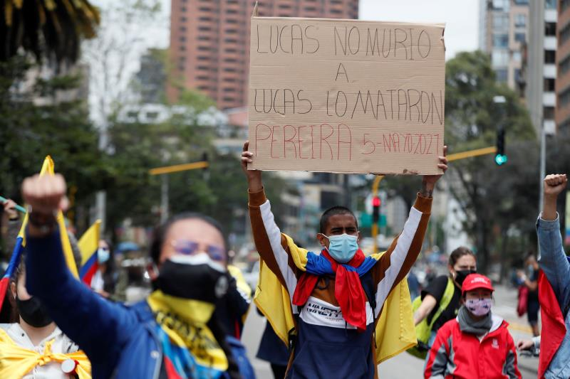 Calls for political dialog increase as Colombia protests continue