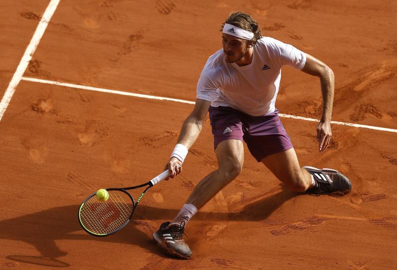 Tsitsipas battles past Zverev to reach French Open final thumbnail